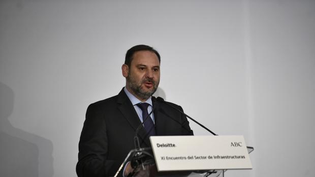El ministro de Fomento, José Luis Ábalos, en la apertura del Foro