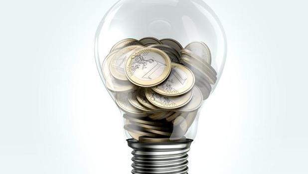 El 90% de los encuestados por la CNMC piensa que la electricidad es cara