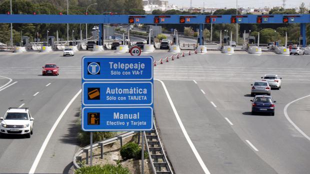 Imagen del peaje de la autopista que une Sevilla y Cádiz