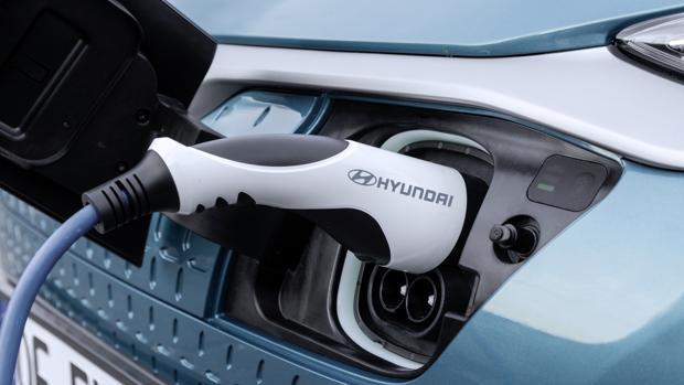 Las ayudas para comprar coches eléctricos oscilan entre los 600 y los 15.000 euros