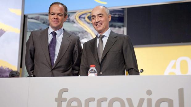 Iñigo Meirás CEO, de Ferrovial (izda), junto a Rafael del Pino, presidente (dcha)