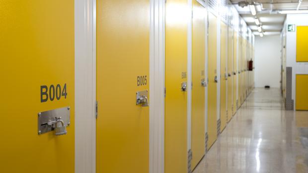 Este tipo de espacios ofrece en muchas ocasiones servicios adicionales, como transporte, embalaje, seguridad...