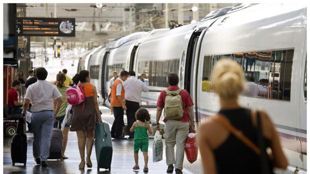 El contrato abarca la ejecución de todos los servicios a los pasajeros