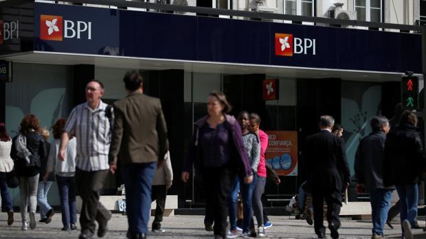 Caixabank es dueña del 100% de BPI