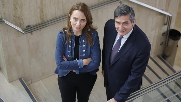 Ana Fernández de Bobadilla y Santiago Pérez Fernández de la Puente, representantes de la Asociación Española de Gas Licuado