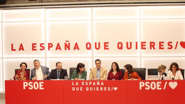 Imagen de la reunión de la dirección socialista de ayer por la tarde