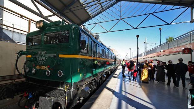El tren de la fresa en la estación de Príncipe Pío