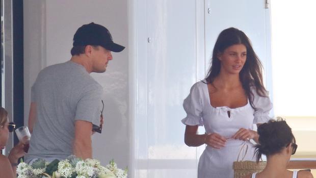 Leo Dicaprio y su última novia, Camila Marrone, en Capri