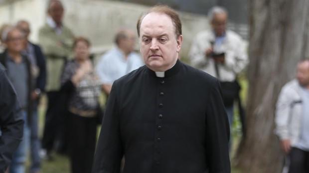 El padre Apeles, en el funeral de Montserrat Caballé