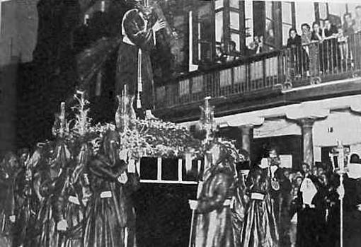 El Señor de Pasión, en andas el Jueves Santo de 1941