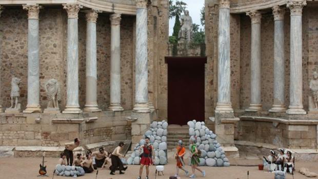 Una de las actuaciones del grupo In Albis, de Morón, al que el Ministerio de Educación le adeuda 16.000 euros en concepto de premios