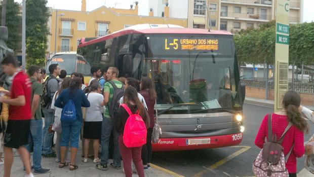 Dos Hermanas ultima la licitación de sus autobuses urbanos tras diez años gestionados por Los Amarillos