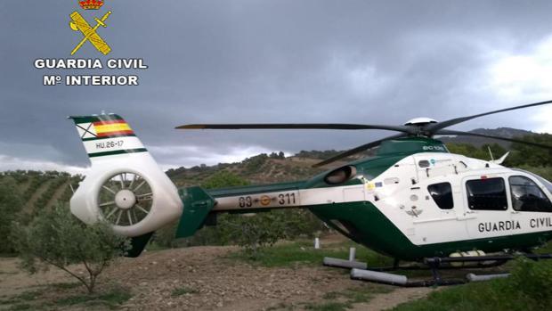 Un vecino de Dos Hermanas fue rescatado en Pruna gracias a un helicóptero de la Guardia Civil
