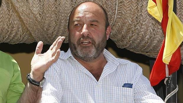 El alcalde socialista José Solís de Villamanrique de la Condesa