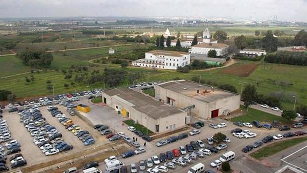 El Cortijo de Cuarto se entrecuentra en terrenos municipales de Sevilla y Dos Hermanas