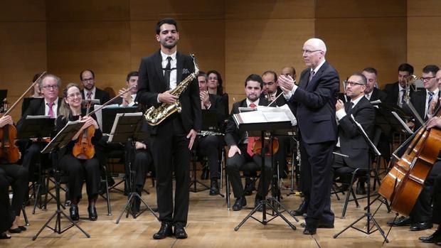 El saxofonista utrerano Manu Brazo se está haciendo un hueco en el panorama musical británico