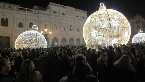 Las bolas de luz en la plaza de San Francisco