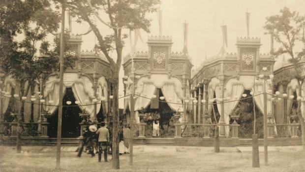 Casetas de los círculos y sociedades mercantiles de la ciudad en la Feria