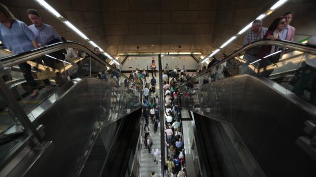 El metro un día de Semana Santa José Galiana