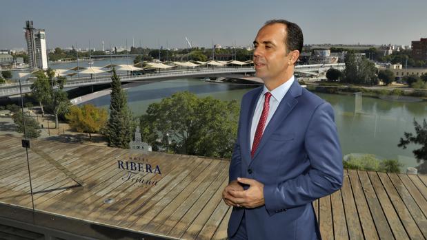 Javier Millán en la terraza donde se celebró la entrevista