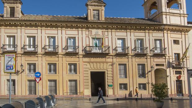 El palacio de Altamira, en la calle Santa María la Blanca