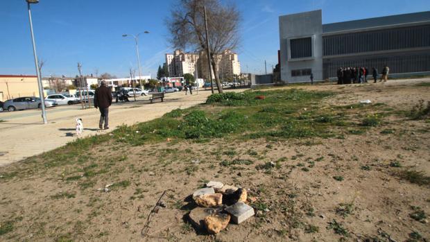 Solar en el que el PSOE reclamaba la construcción de la comisaría