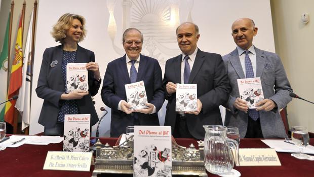 De izquierda a derecha, Marina Bernal, Alberto Máximo Pérez Calero, Manuel Capelo y Pepe Álvarez