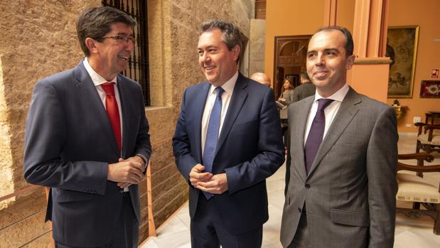 Reunión del alcalde de Sevilla Juan Espadas y el vicepresidente de la Junta, Juan Marín
