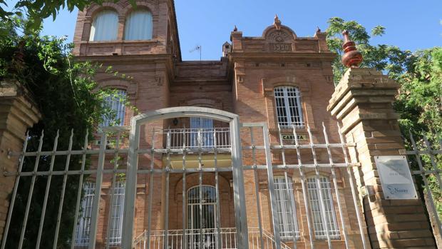 Fachada de una casa en el número 35 de la calle Cristo de la Sed en el barrio de Nervión