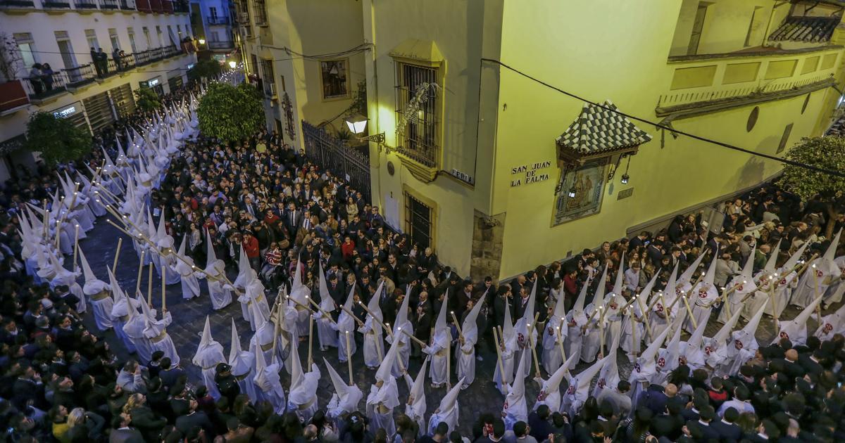 La Semana Santa De Sevilla 2019 Contará Con 1 606 Policía Nacionales