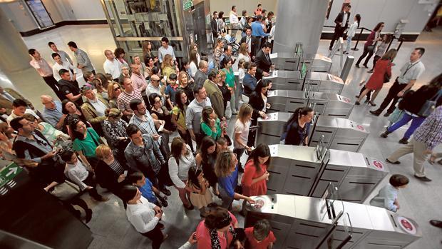 Este lunes se cumplieron los servicios mínimos, según reconoce la dirección de Metro de Sevilla
