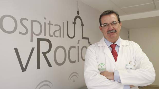 Manuel Molina en el hospital Virgen del Rocio