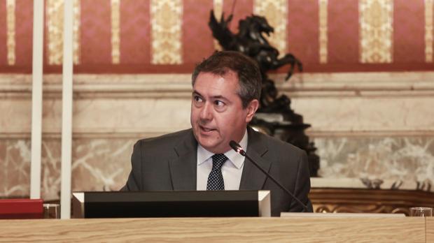 El alcalde, Juan Espadas, en el último Pleno del Ayuntamiento