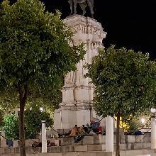 En el monumento