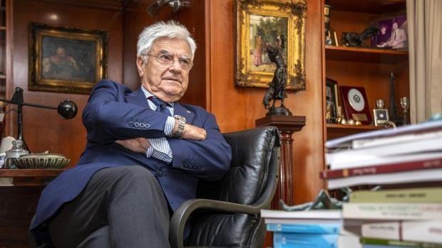 Baena: «Los abogados somos como los bomberos y la Justicia sigue siendo la Cenicienta de España»