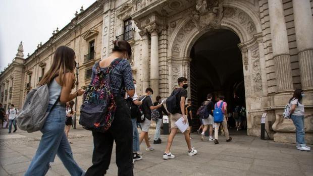 Los movimientos de la población y el turismo, en los exámenes de Geografía de Selectividad en Andalucía